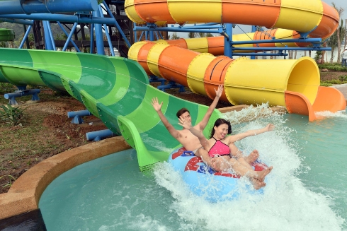 typhoon water park sun world halong complex